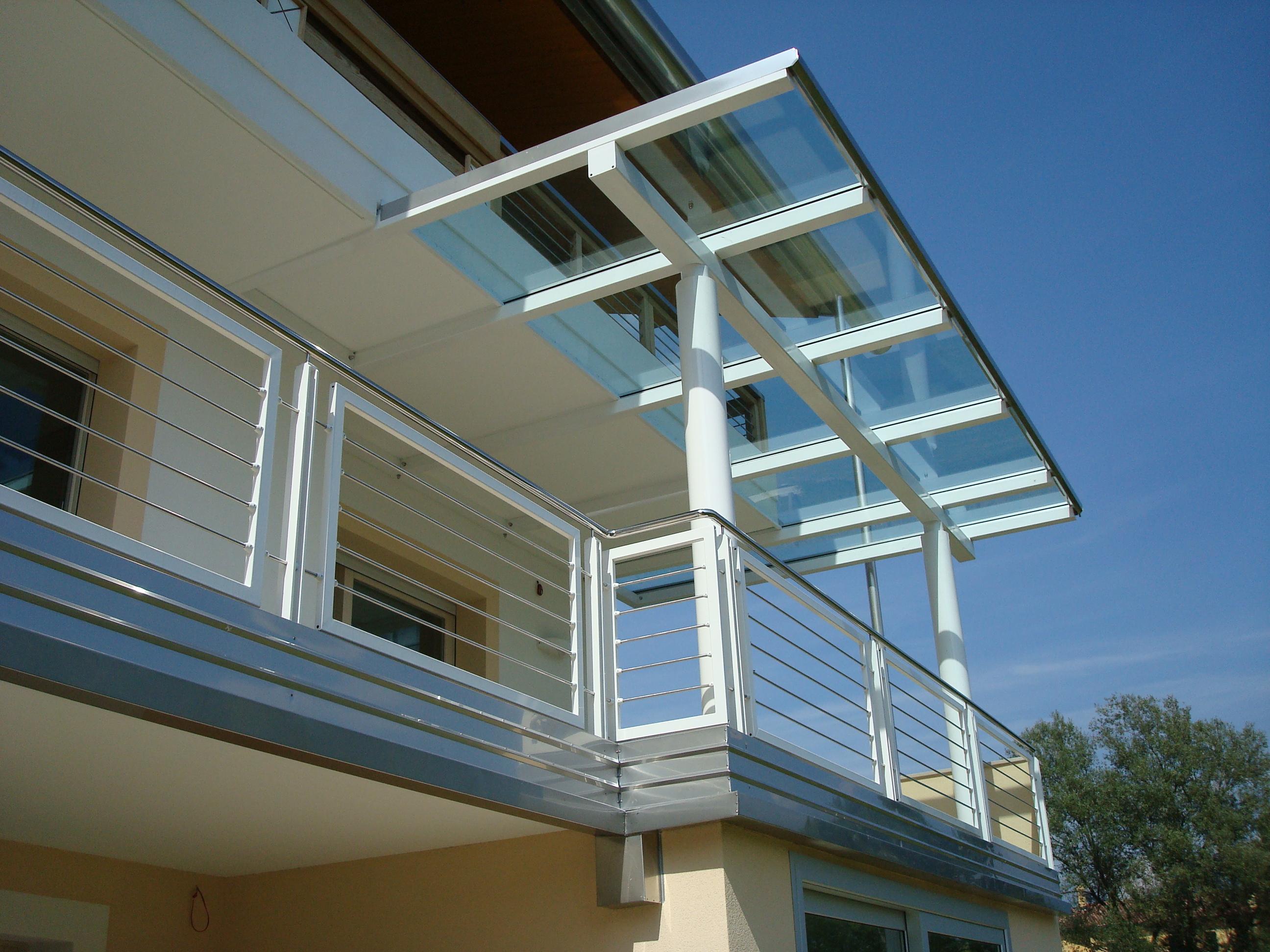 Pensilina in vetro e metallo - Ringhiera in acciaio verniciato e acciaio inox lucido